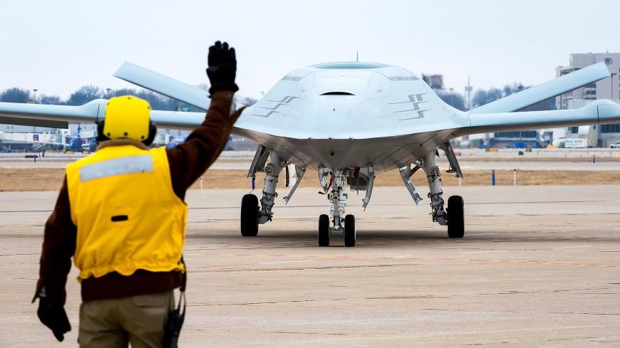 Беспилотник впервые осуществил дозаправку самолета в воздухе