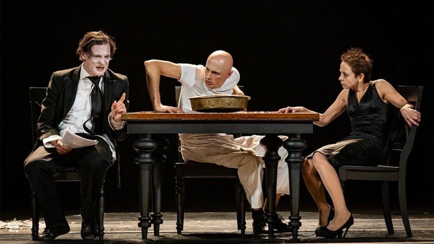 «Жизнь – это борьба» : Юрий Бутусов поставил на сцене РАМТа пьесу «Сын»