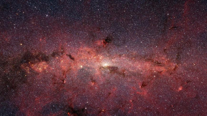 В центре Млечного Пути нашли гигантскую «мигающую» звезду