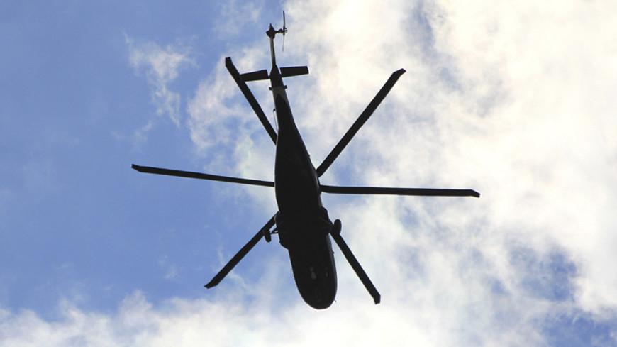 Вертолет в Тюменской области совершил вынужденную посадку в болото