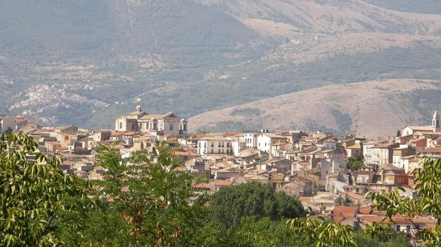Итальянский город начал распродажу домов за один евро