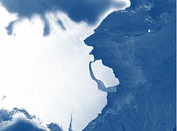 Отколовшийся айсберг в Антарктиде открыл «затерянный мир»