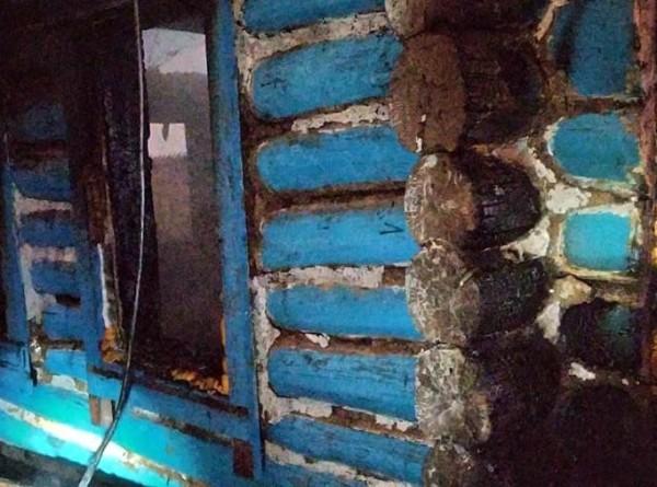 При пожаре в частном доме в Татарстане погибли три человека