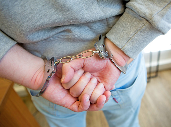Арестованы подозреваемые в нападении на музыканта группы «Квартал»