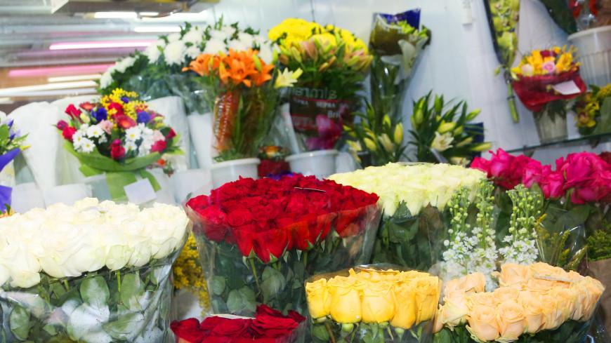 СМИ: За год цветы в России подорожали в два раза