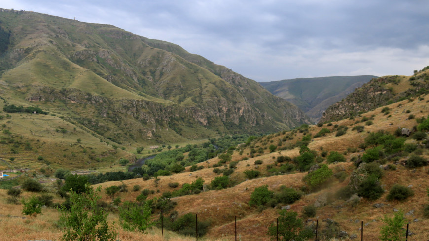 Долина Грузии,Грузия, Вардзия, Вардзиа, горы, долина, природа,