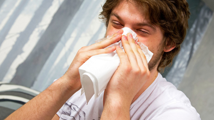Обычная простуда способна подавить коронавирус