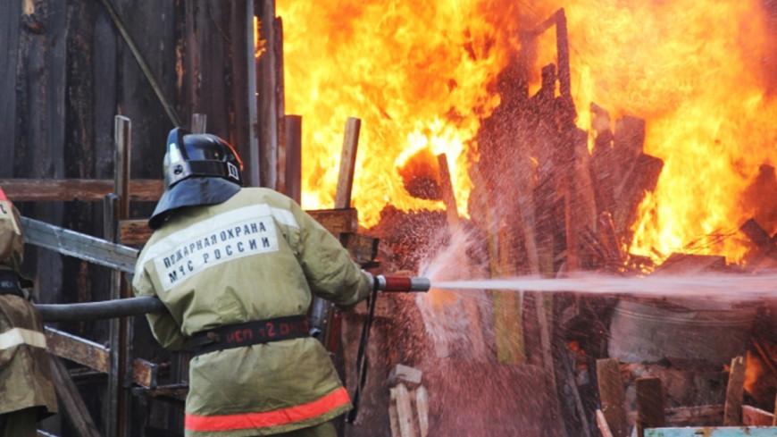 Торговые павильоны на площади 400 квадратных метров сгорели в Сочи