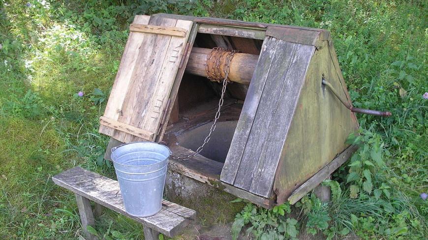 Эксперт рассказал, нужно ли весной сливать из колодца первую воду