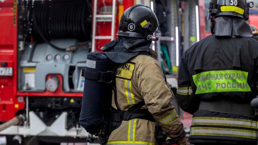 Пожарные спасли 16 человек при возгорании в доме на северо-востоке Москвы