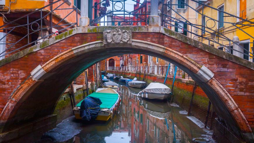 Знаменитые венецианские каналы пересохли из-за отливов