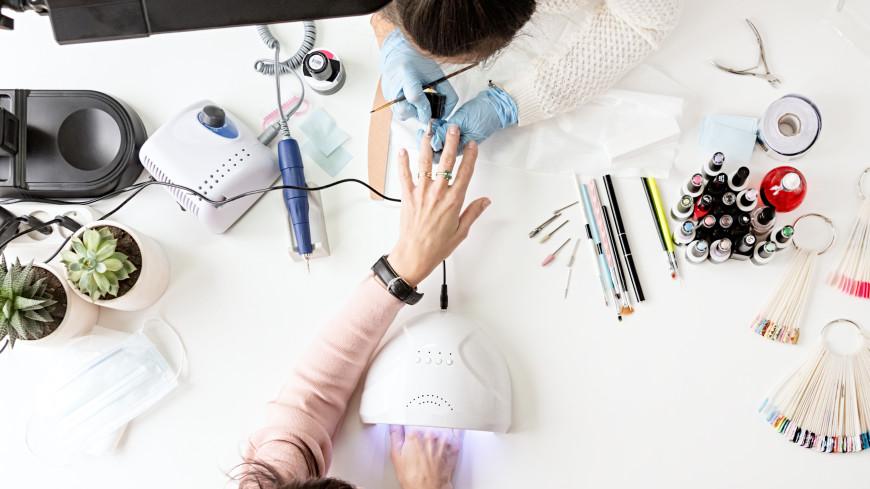 «Это может стать причиной полной потери ногтя»: Вреден ли гель-лак и чего надо опасаться на самом деле