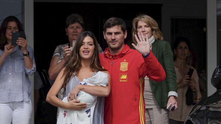 Экс-футболист сборной Испании Икер Касильяс и Сара Карбонеро объявили о разводе