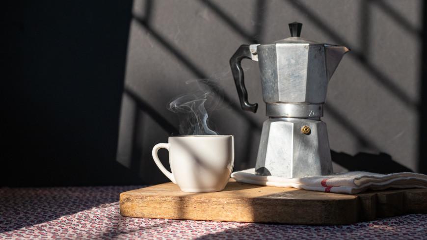 Кофеварка-шпион: названы самые опасные «умные» устройства