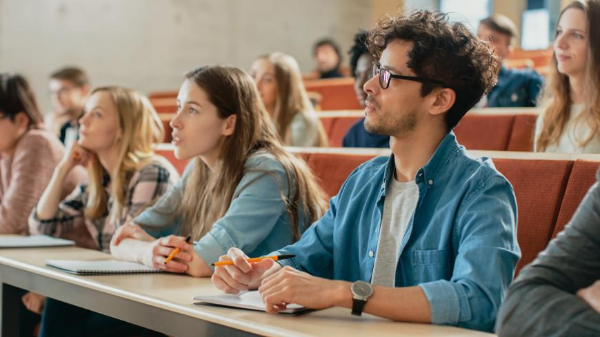 Российским студентам будут преподавать голографические профессора