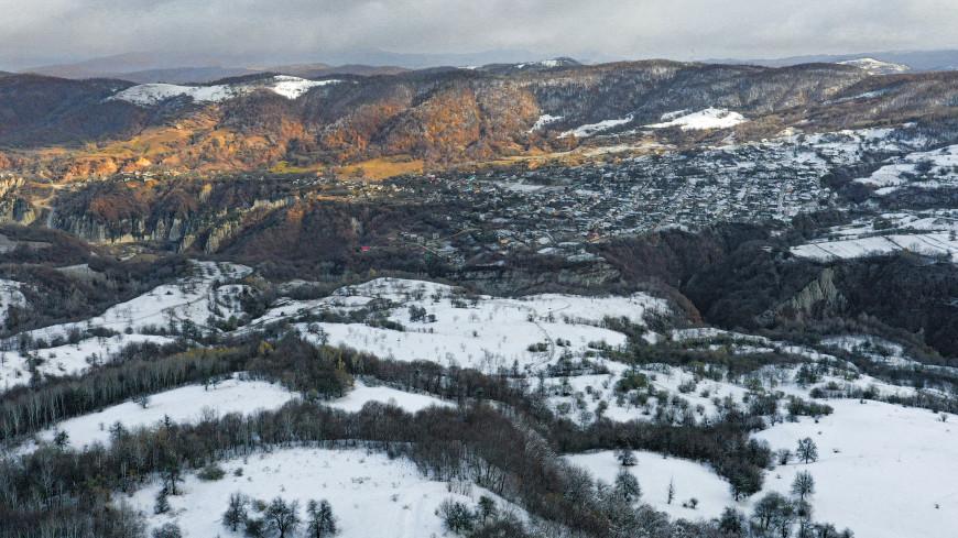 Заблокированные лавиной дороги начали расчищать в Дагестане