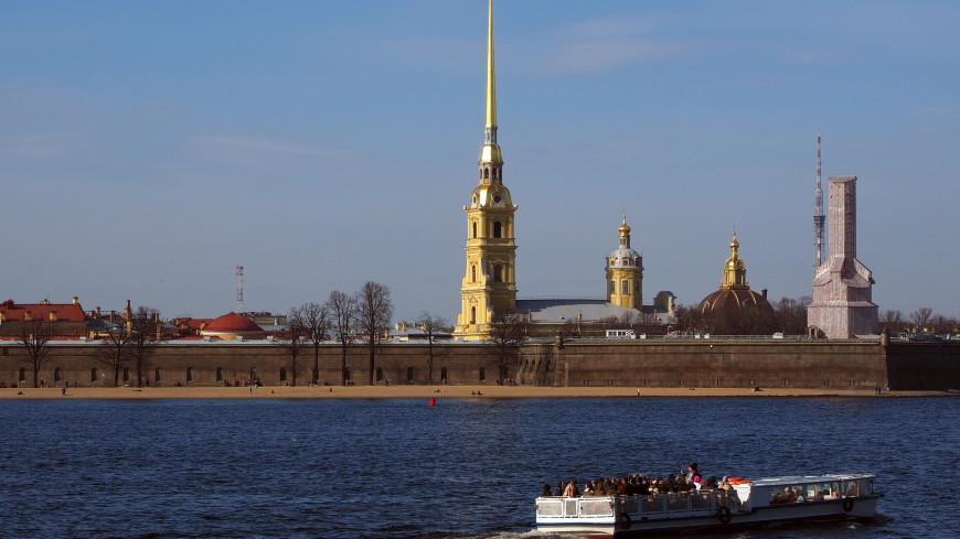 Выстрел из Петропавловской крепости посвятили пятилетию Росгвардии