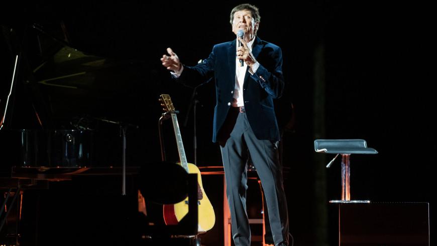 Итальянский певец Джанни Моранди попал в больницу после падения в костер