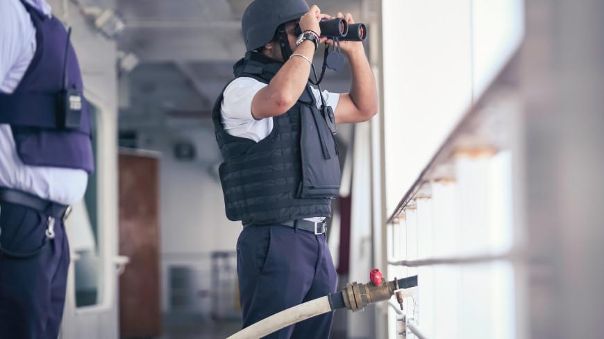 Пираты захватили в плен 15 моряков в Гвинейском заливе