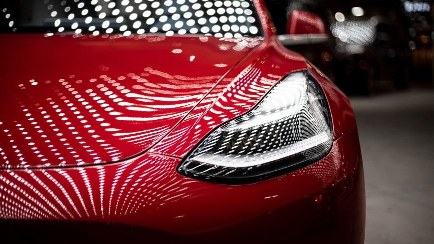 Электрокары Tesla теперь можно приобрести за биткоины