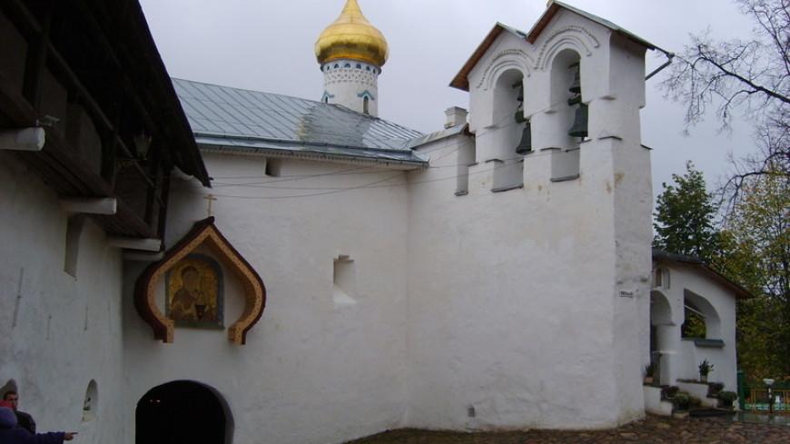 В Псковской области реставраторы обнаружили фрески XVIII века