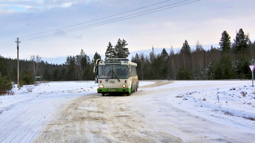 """Фото: Татьяна Константинова, """"«МИР 24»"""":http://mir24.tv/, автобус, дорога, зима"""