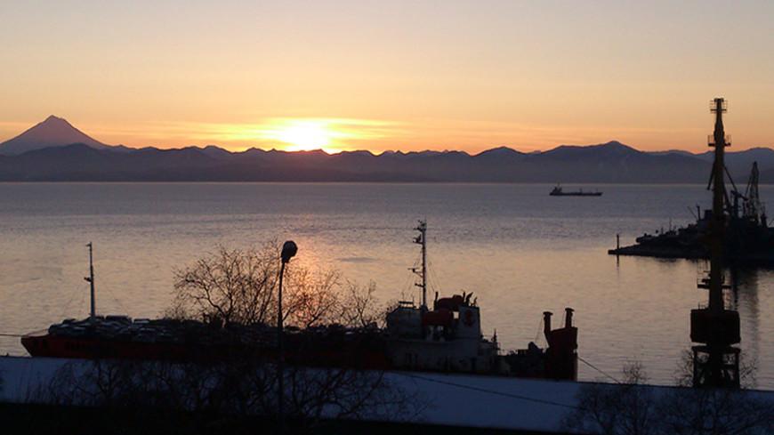 © Фото: Петр Королев, МТРК «Мир», море, камчатка, закат