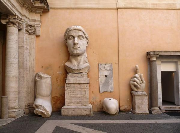 Кисть от бронзовой статуи римского императора Константина восстановлена спустя 500 лет