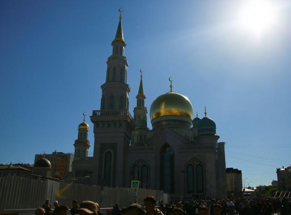 Праздник прощения и милосердия: как российские мусульмане готовились к Ураза-байраму