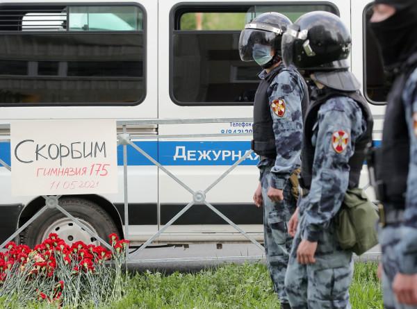 В России усилят меры безопасности в школах и садах после трагедии в Казани