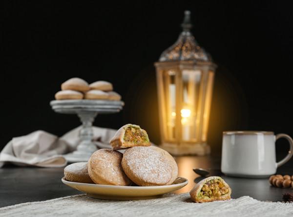 Праздник добра и света: о чем молятся, что едят и кого зовут в дом на Ураза-байрам?