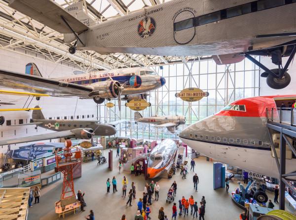 Пандемия отступает: в США открылся Смитсоновский музей