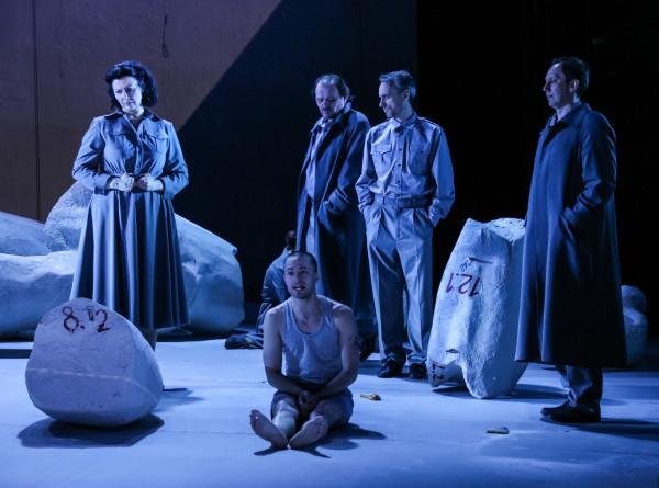 «Спутники» в Театре на Таганке – тихие разговоры и громкие стоны под стук колес
