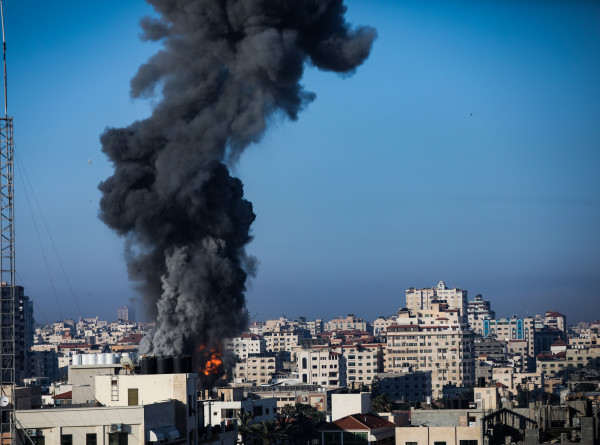 Ближневосточный конфликт: Израиль уничтожил высотку в секторе Газа