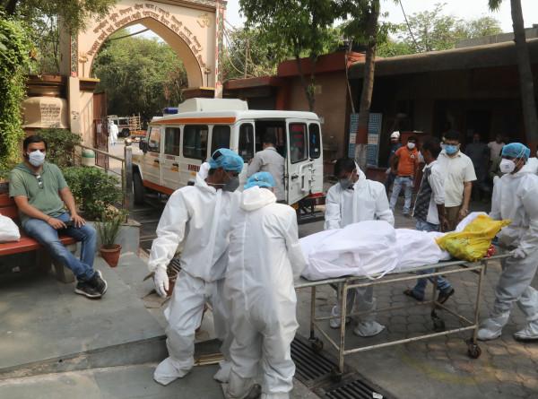 Новый антирекорд: в Индии за сутки умерли 3780 человек