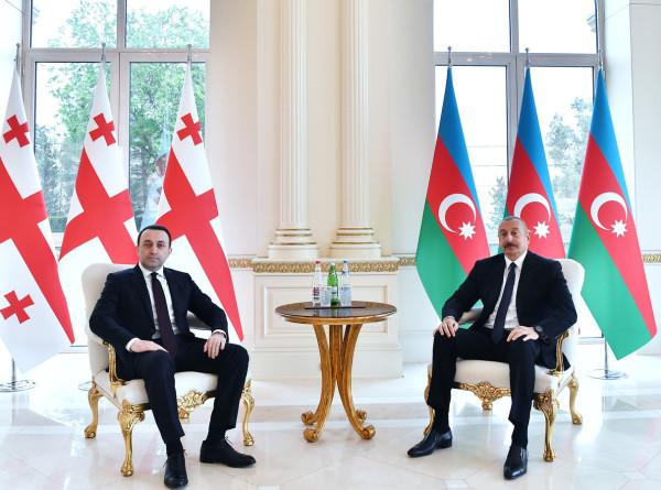 Энергетика, транспорт, туризм: Алиев и Гарибашвили встретились в Баку