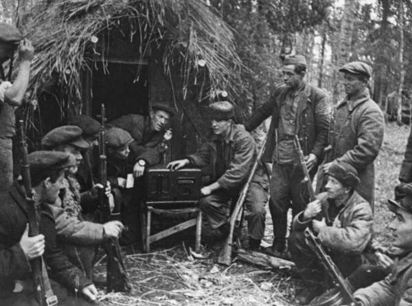 Кто владеет дезинформацией, тот владеет миром: как радиоигры повлияли на исход Второй мировой войны?