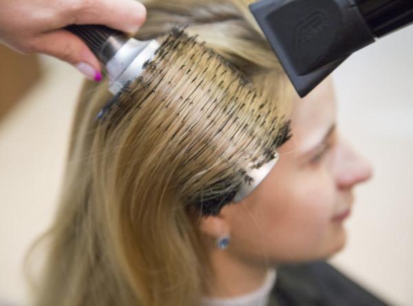 В США придумали робота для ухода за волосами