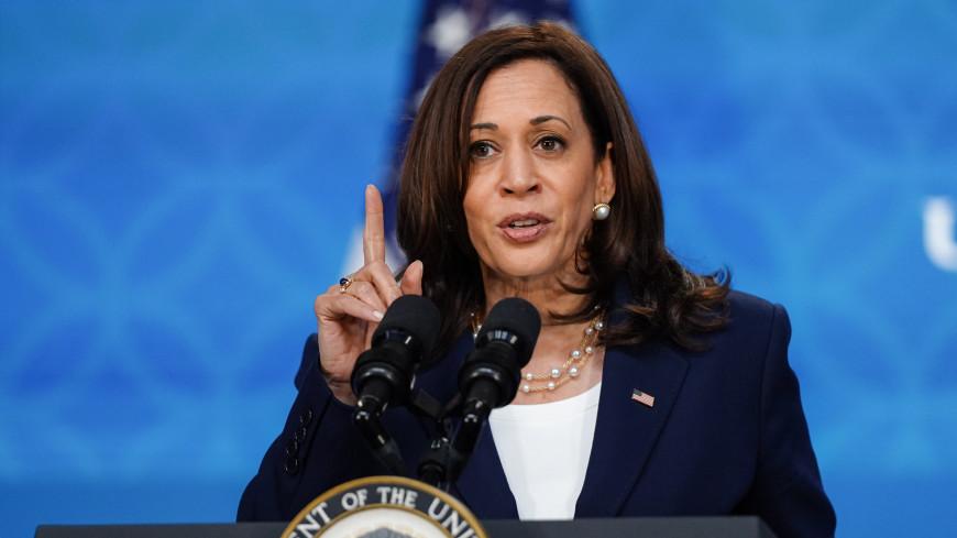 Американцы заметили неуважительный жест Камалы Харрис во время переговоров