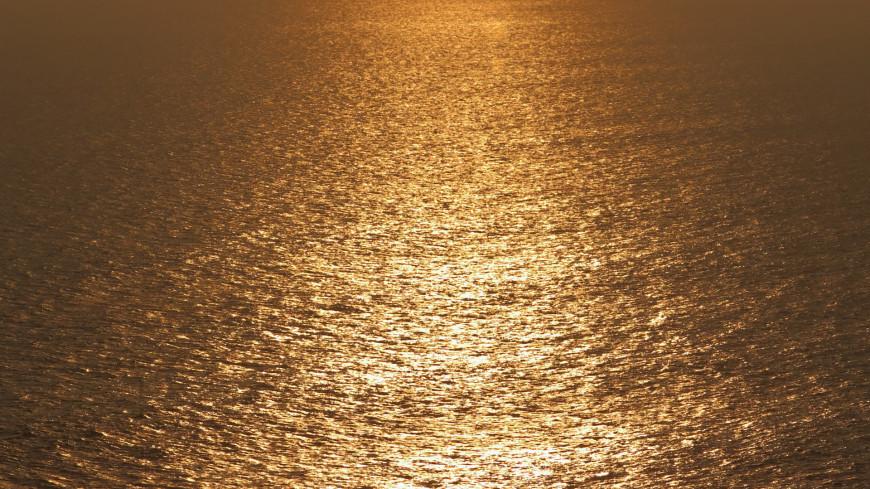 вода ,море, океан, озеро, закат, водоем, рябь, гладь, водная гладь, солнечный свет, природа, пейзаж, солнце, пляж, берег