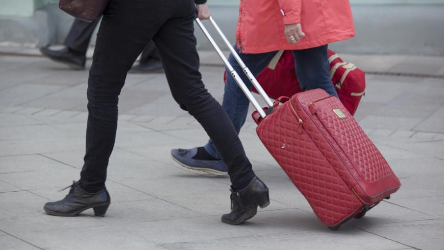 "Фото: Мария Андросова (МТРК «Мир») ""«Мир 24»"":http://mir24.tv/, аэропорт, чемодан, чемоданы, отпуск"
