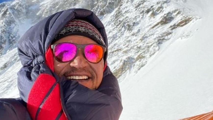 Штурм Эвереста: кыргызский альпинист покорил высочайшую гору планеты