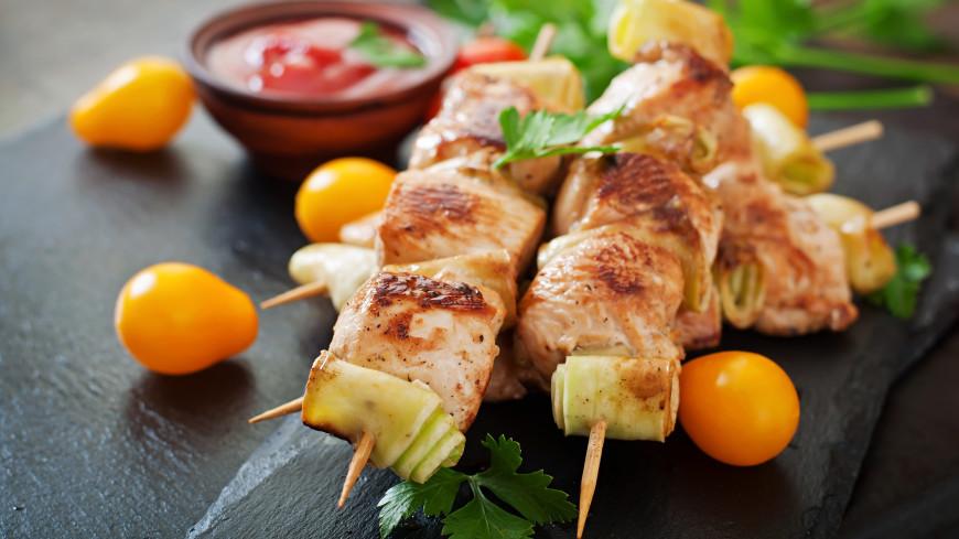 Рецепт для пикника: сочный шашлык из куриной грудки