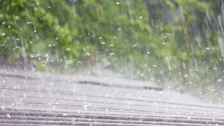Майская непогода: ураган, ливни и сильный град пришли в российские регионы