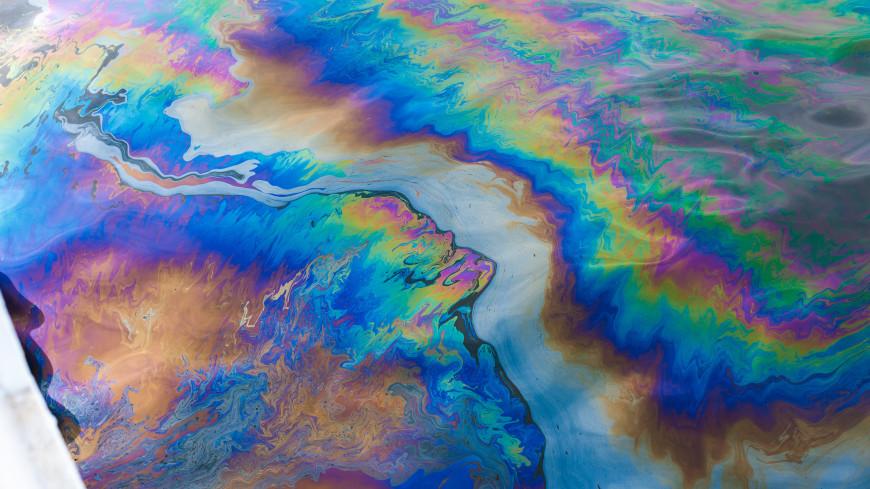 Росприроднадзор вновь зафиксировал масляное пятно в море у Туапсе