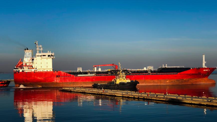 Следовавший в Иран сухогруз сел на мель на участке Волго-Каспийского канала