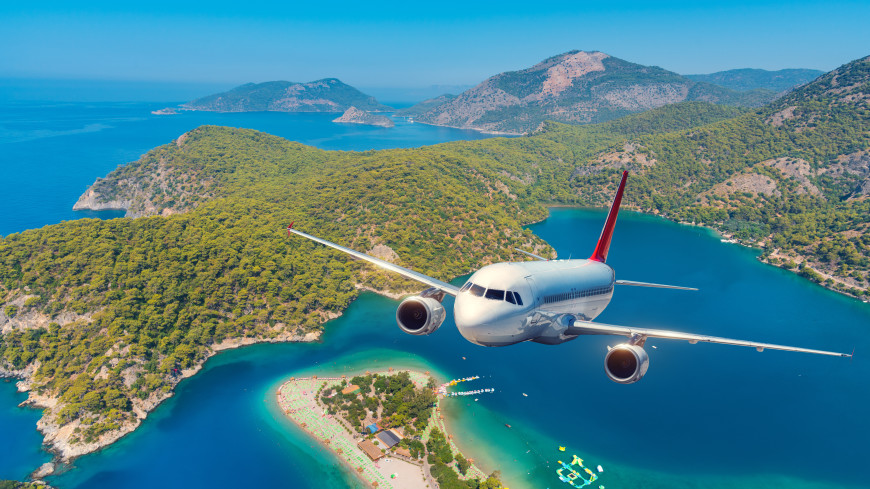 Главные новости за ночь: отмена рейсов в Турцию, крушение вертолета под Архангельском и огород для ленивых