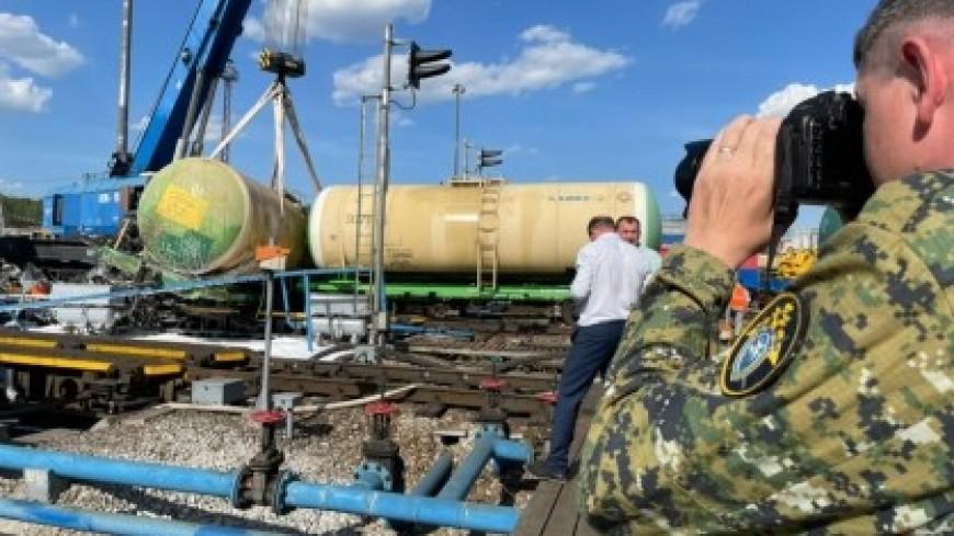 В Свердловской области при сходе с путей цистерн разлилось дизельное топливо