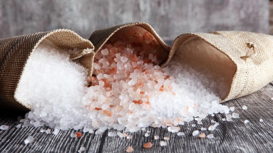 Диетолог рассказала, чем может быть опасен отказ от соли