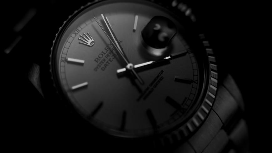 Контрабандист пытался провезти в Домодедове часы Rolex за 6,5 млн рублей